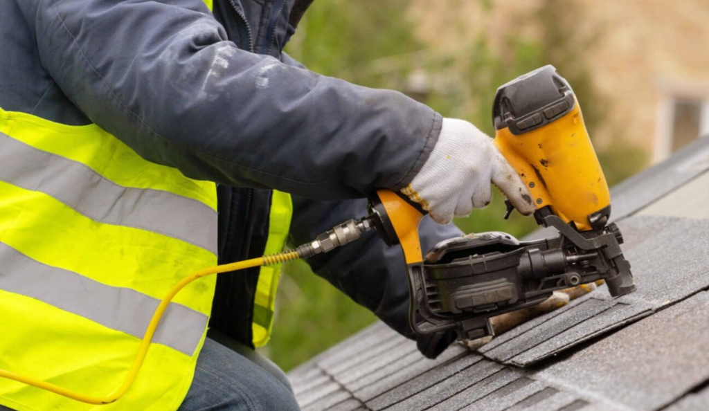 Warning Signs That You Need Tampa Roof Repair Company